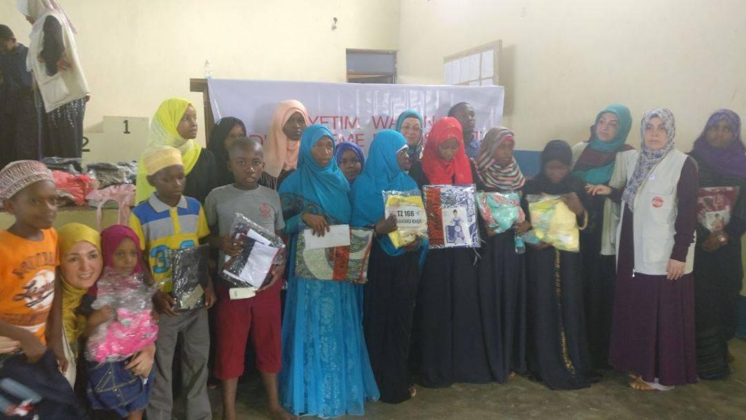 WEFA Uluslararası İnsani Yardım Organizasyonu 12-19 Şubat tarihleri arasında Tanzanya'ya ziyaret gerçekleştirdi. Katarakt ameliyatları, su kuyusu açılışları ve adak, akika kurban kesimlerinin yapıldığı ziyarette WEFA'nın Tanzanya'da bulunan yetimlerine de harçlıkları elden teslim edildi. Program kapsamında okul açılışı da gerçekleştirildi.
