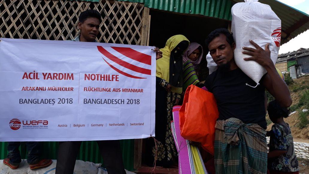 WEFA Uluslararası İnsani Yardım Organizasyonu Bangladeş'te muson yağmurlarından etkilenen Arakanlı mültecilere yardım paketlerini ulaştırdı.
