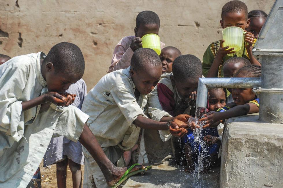 Bu senenin mart ve temmuz ayları arasında 199 su kuyusu bağışı alan WEFA, Keşmir, Kamboçya, Togo, Tanzanya, Kenya, Somali ve Sudan'da açacağı su kuyuları ile bölge halkının kolaylıkla temiz suya ulaşmasını sağlayacak.