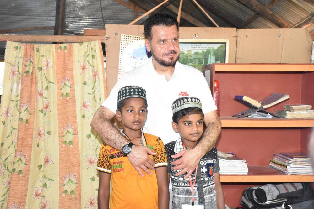 WEFA Vorstandsvorsitzender Musab Aydın besuchte bei seiner Sri Lanka-Reise unsere Waisen in ihren Häusern. Neben der Verteilung zahlreicher Geschenke, wurden Familien auch mit Lebensmittelpaketen versorgt.