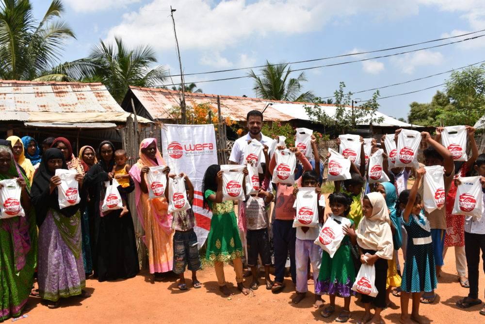 WEFA Uluslararası İnsani Yardım Organizasyonu her ay mutat olarak kestiği adak, akika kurbanları ile ihtiyaç sahiplerine umut olmaya devam ediyor. Nisan ayı kurban kesimleri Sri Lanka'da gerçekleştirilirken, dağıtıma WEFA Genel Başkanı Musab Aydın da eşlik etti.