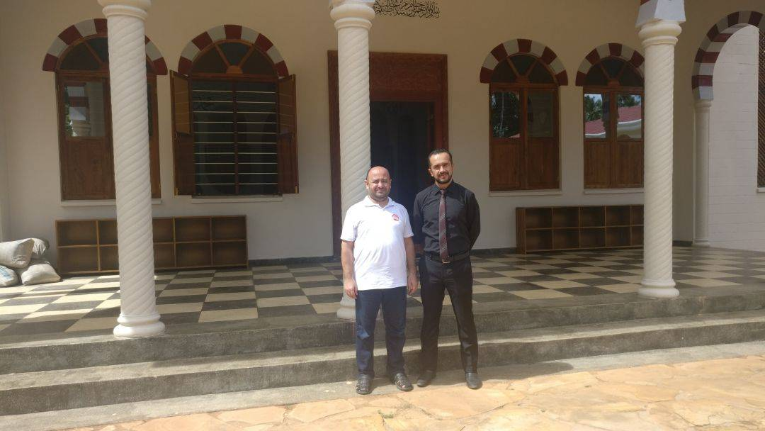 12-19 Şubat tarihleri arasında Tanzanya'da bulunan WEFA Uluslararası İnsani Yardım Organizasyonu Yönetim Kurulu Üyesi Mehmet Bakıcı ve ekibi program kapsamında Tanzanya Maarif Okulunu ziyaret etti. Maarif Okulu Başkanı ile görüşen ekip WEFA'nın projeleri hakkında bilgiler aktardı.