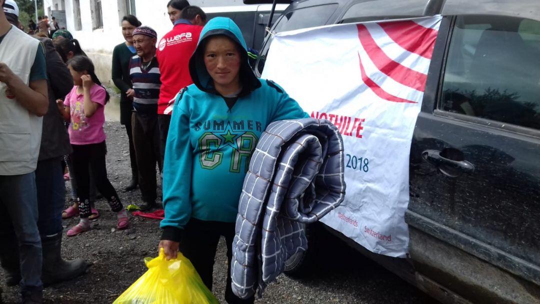 WEFA Uluslararası İnsani Yardım Organizasyonu Moğolistan'daki sel felaketinde zarar gören insanlara acil yardım malzemeleri ulaştırdı.