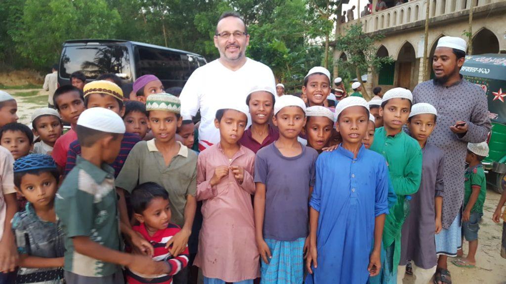 Internationale Hilfsorganisation WEFA'nın mayıs ayında gerçekleştirdiği Bangladeş ziyaretine katılan Hasan Özdemir ülke izlenimlerini bizlerle paylaştı.