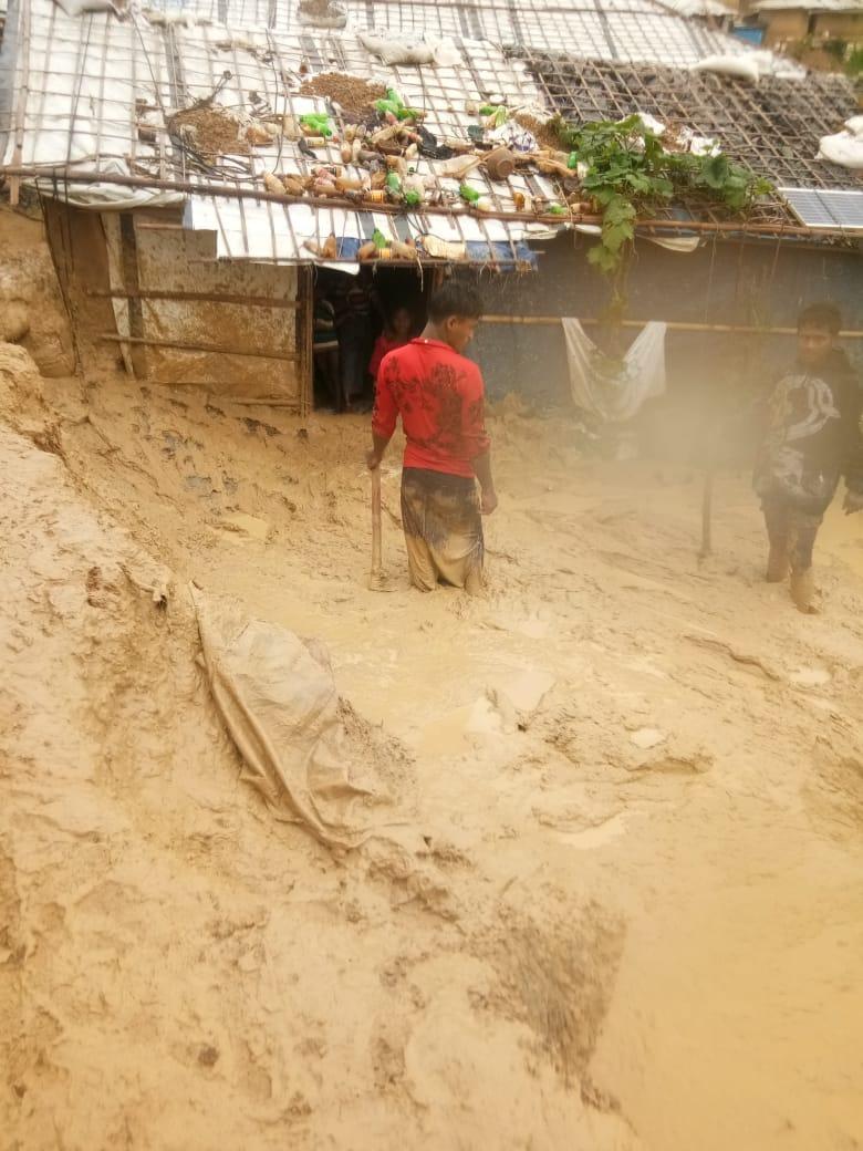 """WEFA Uluslararası İnsani Yardım Organizasyonu Bangladeş'te muson yağmurlarından etkilenen Arakanlı mülteciler için """"Acil Yardım"""" kampanyası başlattı."""