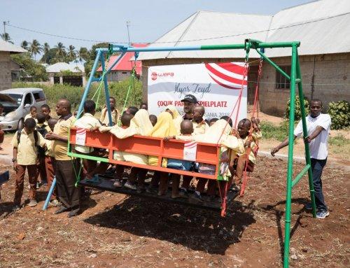 Spielplatzin Tansania