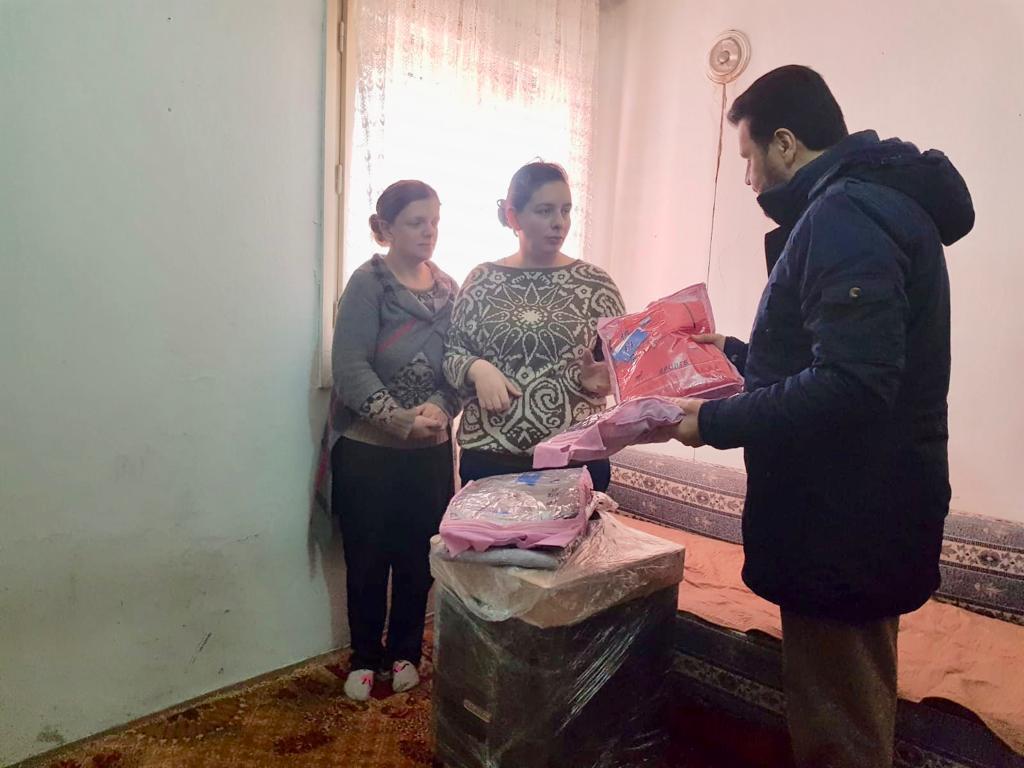 """""""Kış Kampanyası"""" kapsamında Makedonya'ya ziyaret gerçekleştiren WEFA Genel Başkanı bölgedeki kış yardımlarına katıldı."""
