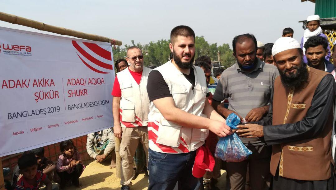 Kış yardımları kapsamında Arakan kamplarını ziyaret eden WEFA, Arakanlı Müslümanlara adak, akika ve şükür kurbanı yardımında bulundu.