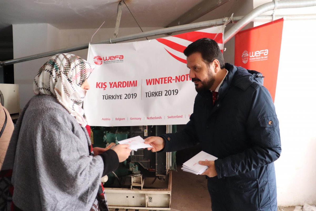 Kış yardımlarına devam eden WEFA Uluslararası İnsani Yardım Organizasyonu Erzurum'daki ihtiyaç sahibi ailelere zekât yardımında bulundu.