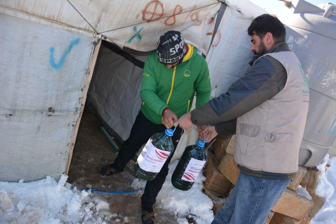 Lübnan'daki Arsal Kampı'nda kış aylarının zor şartları altında çaresizliklerle mücadele eden Suriyeli mültecilere WEFA kış yardımı ulaştırdı.
