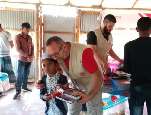 Arakanlı Çocuklara WEFA'dan Kırtasiye Yardımı