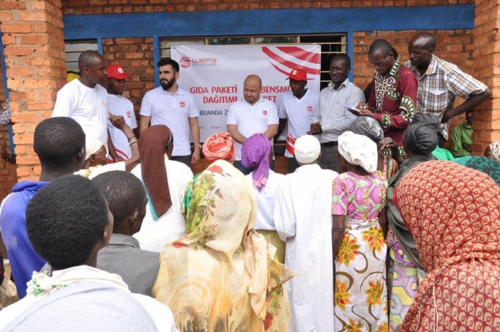 Ruanda'da bulunan WEFA Uluslararası İnsani Yardım Organizasyonu ihtiyaç sahibi ailelere gıda ve zekât yardımında bulundu. Yardımlar 27 Mart'a kadar devam edecek.