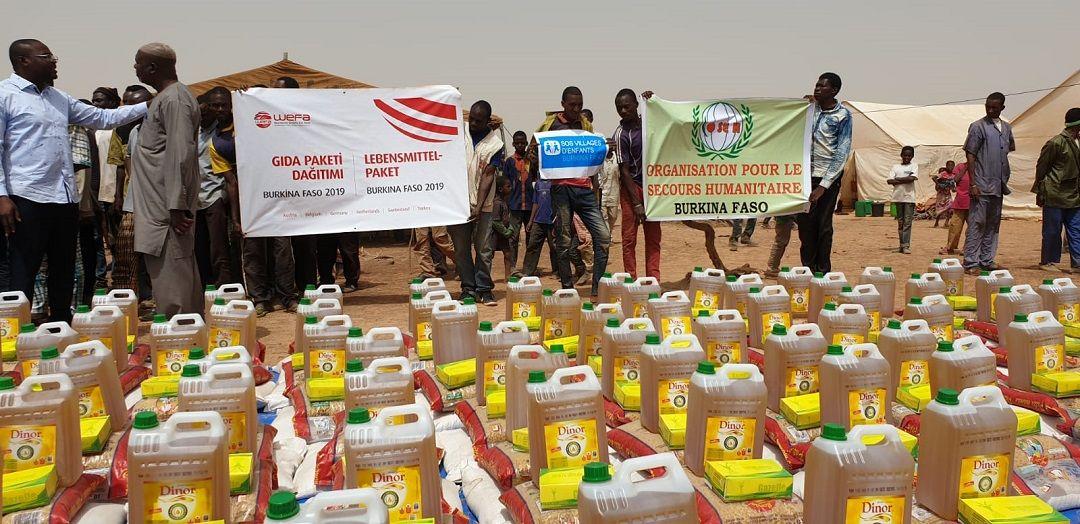 Burkina Faso'daki insanlara yardım ulaştırmak üzere bölgeye giden WEFA Uluslararası İnsani Yardım Organizasyonu, ülkenin kuzey bölgesine sığınan insanlara gıda paketi yardımında bulundu.