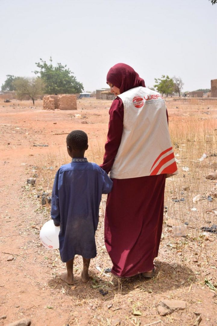 Burkina Faso'da aralarında yetimlerin de bulunduğu 150 çocuğu WEFA Uluslararası İnsani Yardım Organizasyonu sünnet ettirdi.