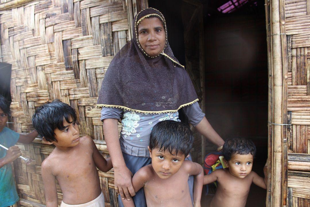 WEFA, 2007 yılından beri Arakanlı Müslümanların temel insani ihtiyaçlarının karşılanması için çeşitli yardım çalışmaları gerçekleştirmektedir.