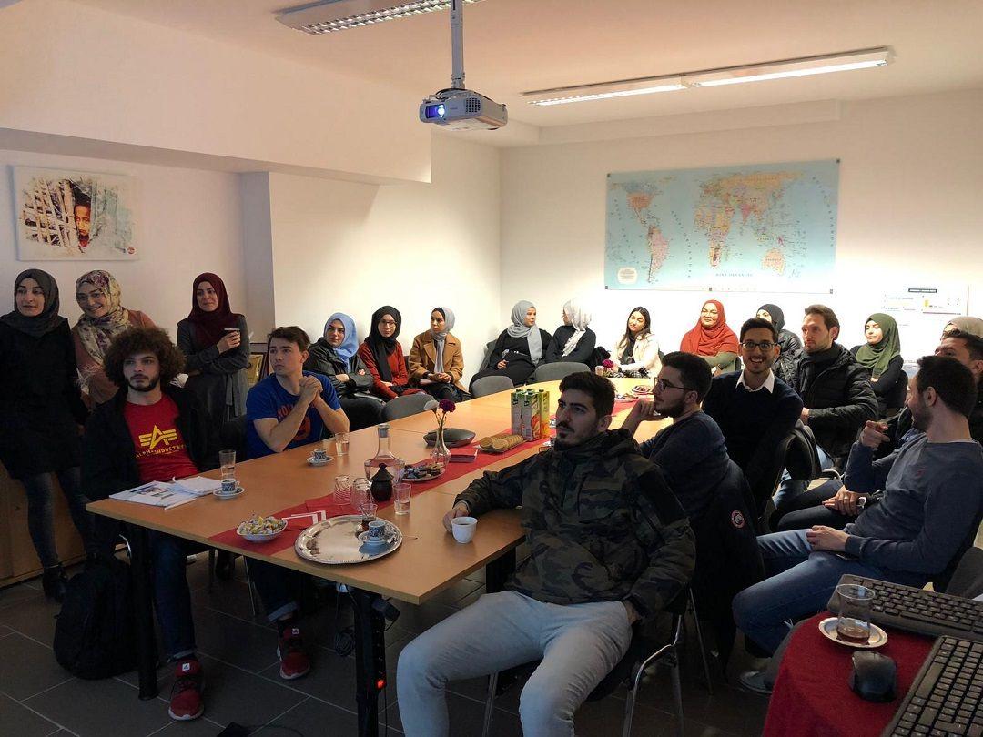 Bu senenin ilk toplantısını 14 Nisan Pazar günü Almanya'nın Köln kentinde icra eden Genç WEFA, yeni çalışmalar hakkında Genç WEFA üyelerine bilgiler verdi.