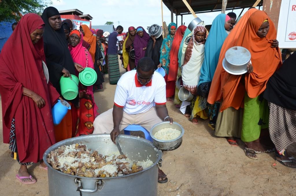 WEFA ULUSLARARASI İNSANİ YARDIM ORGANİZASYONUsyonu 12 yıldır gerçekleştirdiği ramazan kampanyası ile Afrika kıtasında binlerce kişiye zekât, fitre, sadaka, kumanya ve iftar yemeği yardımları olmak üzere birçok ayrı kalemde yardım ulaştırmaktadır.