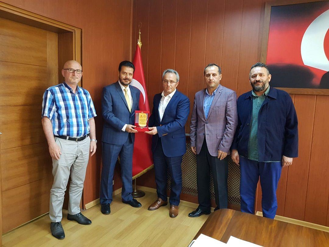 İstanbul'un Tuzla ilçesine bağlı 20 okulda toplamda 203 yetim ve muhtaç öğrenciye WEFA Uluslararası İnsani Yardım Organizasyonu bayramlık kıyafet hediye etti.
