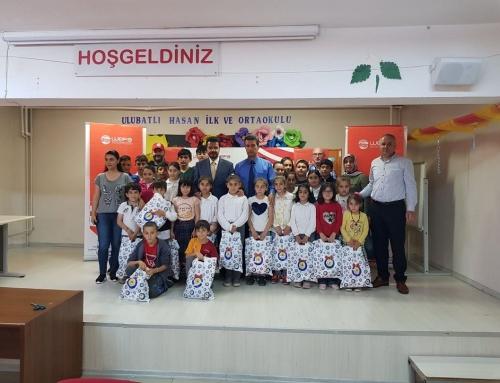 İstanbul'daki Yetimlere WEFA Bayramlık Hediye Etti