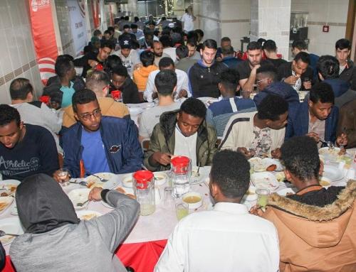 Iftar das traditionelle Fastenbrechen