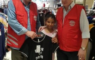 Dünyanın farklı ülke ve bölgelerindeki yetimlere bu sene de bayram sevinci yaşatmak isteyen WEFA, Adana'daki yetim çocuklara bayramlıklarını şimdiden hediye etti.