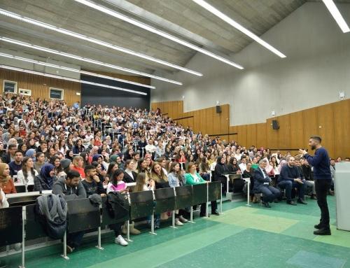 Avrupalı gençler iftar programında buluştu