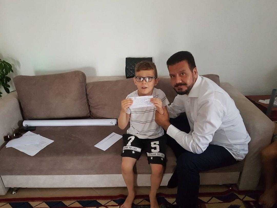 Arnavutluk'ta bulunan WEFA Genel Başkanı Musab Aydın yetimleri evlerinde ziyaret etti.