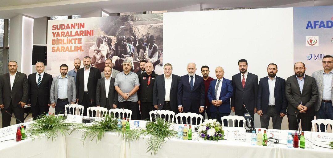 Sudan'da meydana gelen sel felaketi sonrası İDSB - İnsani Yardım Platformu üyesi kuruluşlarının başlattığı yardım kampanyasının basın toplantısına WEFA Uluslararası İnsani Yardım Organizasyonu da katıldı.