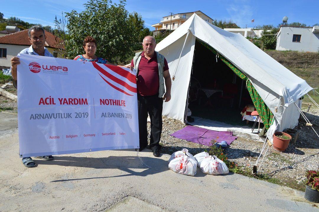 Arnavutluk'un başkenti Tiran'ın 30 kilometre batısında bulunan iki ayrı noktada 5.8 ve 5.1 şiddetinde meydana gelen depremin ardından WEFA Uluslararası İnsani Yardım Organizasyonu depremzedelere gıda yardımında bulundu.