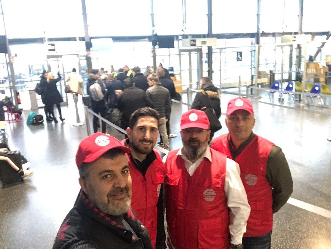 Kış yardımları kapsamında bu sene de ihtiyaç sahiplerinin kışlık ihtiyaçlarını giderecek olan WEFA Uluslararası İnsani Yardım Organizasyonu çalışmalarına aralıksız devam ediyor. Kış yardımlarını yerinde takip edecek olan ilk WEFA ekibi bugün Kosova'ya doğru yola çıktı.