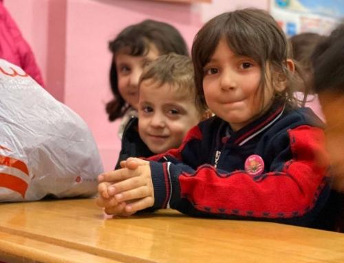 Bitlis'teki 931 Öğrenciye WEFA'dan Kış Yardımı