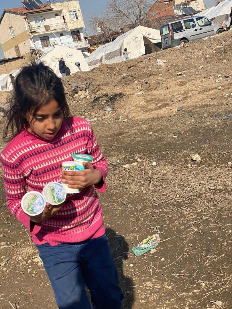 Elazığ'ın Sivrice ilçesinde 24 Ocak'ta akşam saatlerinde medyada gelen 6,8 büyüklüğündeki depremin ardından WEFA Uluslararası İnsani Yardım Organizasyonu ekiplerini bölgeye sevketti. Bölgeye ulaşan WEFA ekibi depremzedelere acil ihtiyaç malzemeleri ulaştırdı.