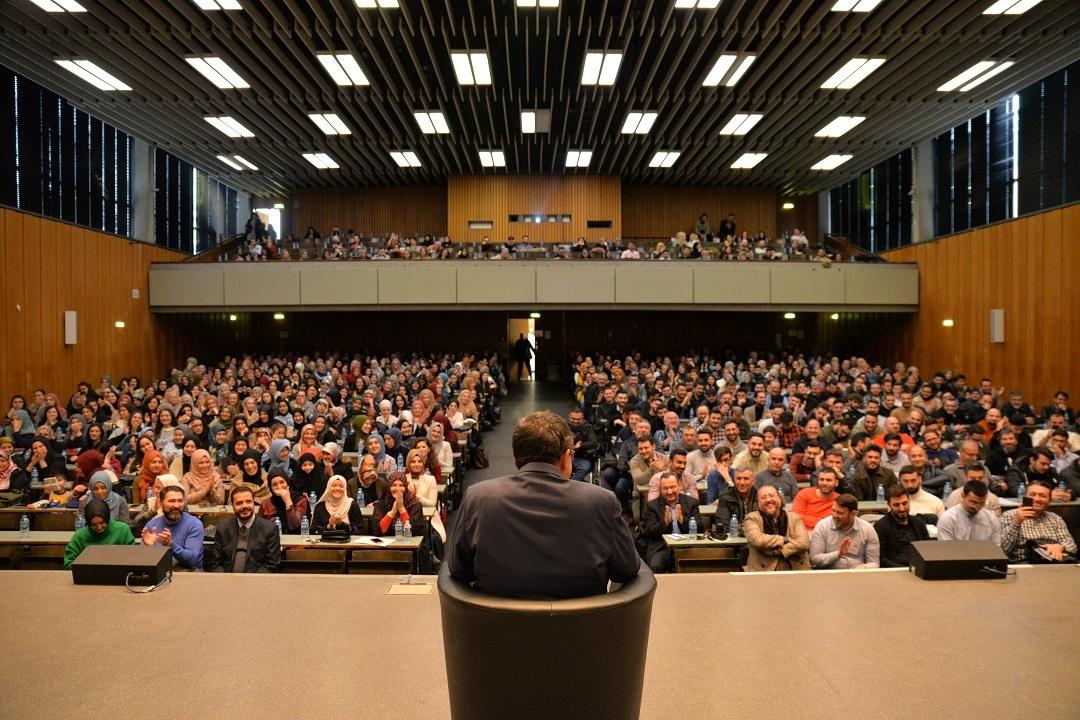 Genç WEFA ve US Akademisyenler Platformu'nun beraber düzenlediği etkinlik yoğun bir katılımla gerçekleşti.