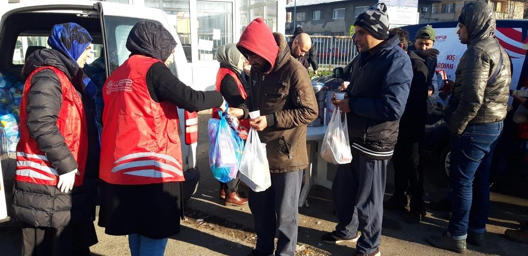 Kış yardımları kapsamında bu ay da Bosna-Hersek'e giden WEFA Uluslararası İnsani Yardım Organizasyonu Tuzla'daki mültecilere sıcak yemek yardımında bulundu. Yardım çalışmaları mart ayının sonuna kadar devam edecek.