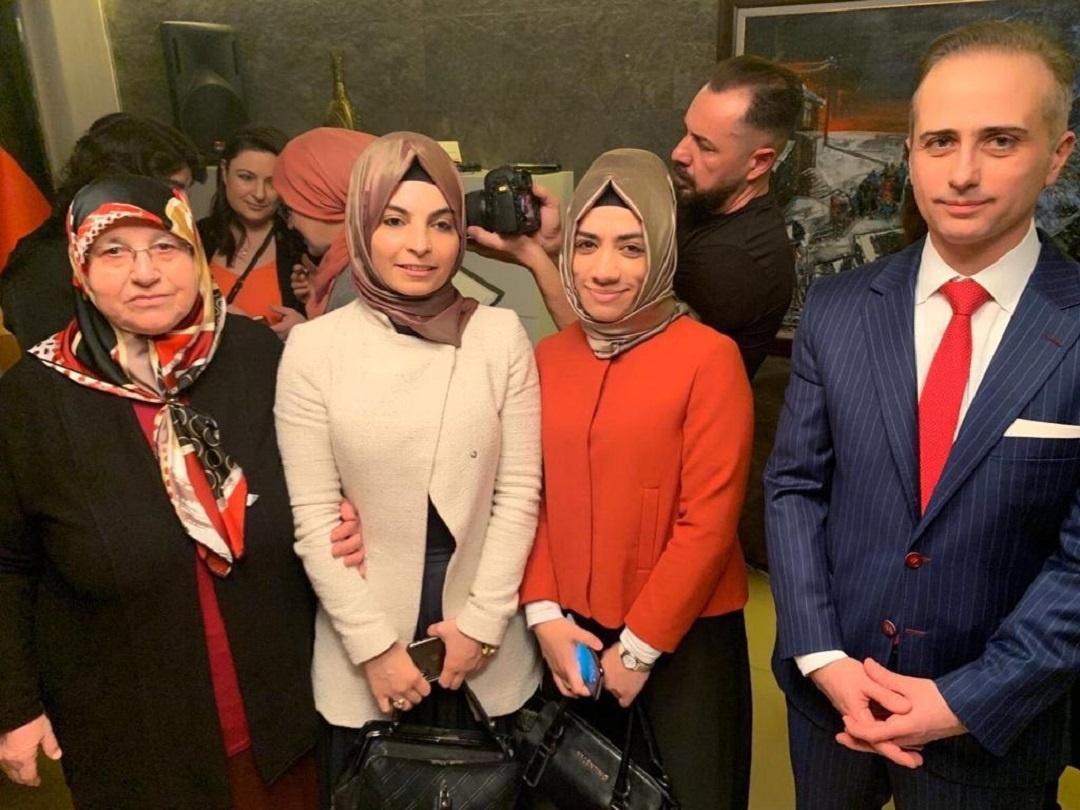 """""""8 Mart Dünya Kadınlar Günü"""" münasebetiyle T.C. Köln Başkonsolosluğu tarafından tertip edilen """"Kadınların Gözünden Dayanışma ve Hoşgörü"""" konulu panele WEFA Uluslararası İnsani Yardım Organizasyonu da katıldı."""