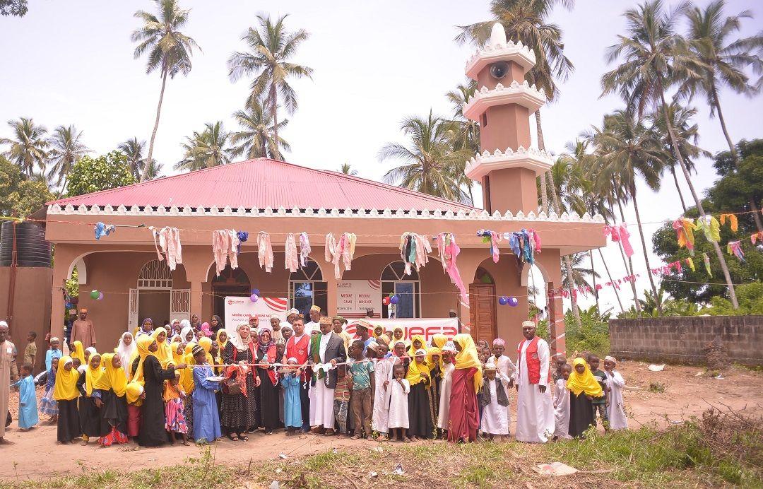 Afrika'da insanların ihtiyacı doğrultusunda yeni vakıf eserler hayata geçirmeye devam eden WEFA Uluslararası İnsani Yardım Organizasyonu Tanzanya'nın Zanzibar Adası'nda şubat ayında cami ve medrese açılışı gerçekleştirdi.