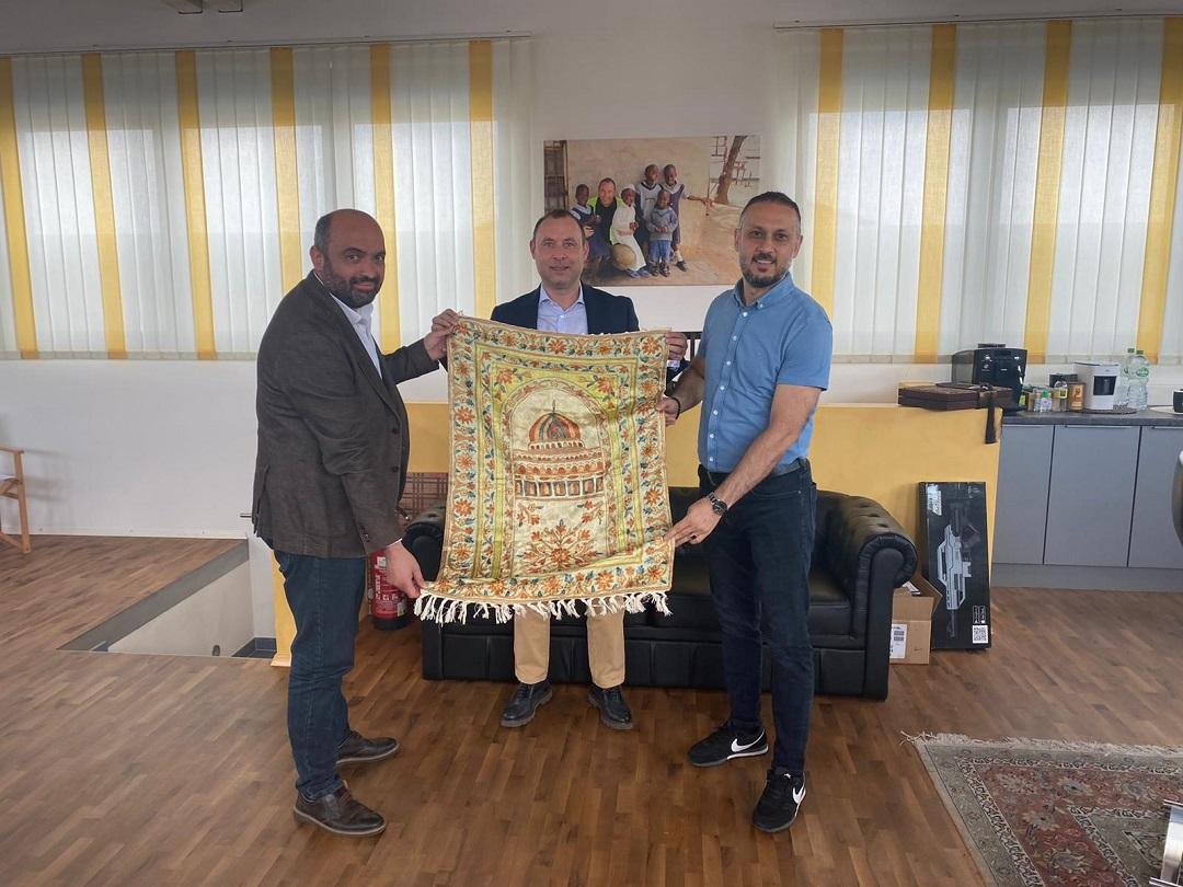 Nezaket ziyaretleri çerçevesinde WEFA Yönetim Kurulu Üyeleri MÜSİAD Başkanı Burhan Sağlam'ı ziyaret etti.