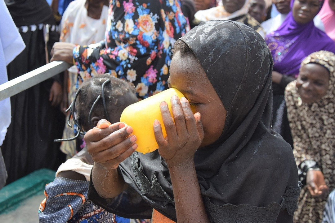 Water well aid in Africa