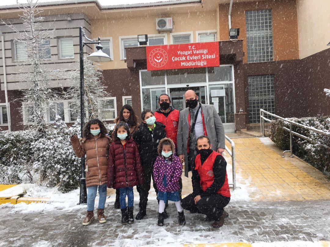 çocuklara kış yardımı
