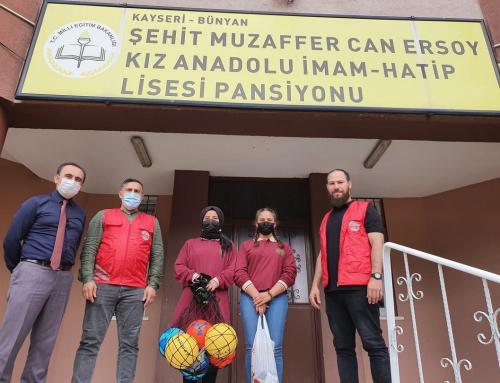 WEFA'dan Türkiye'deki Lise Öğrencilerine Spor Malzemesi Desteği